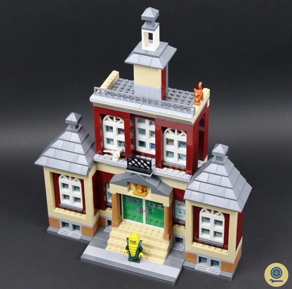 60271 Main Square 13