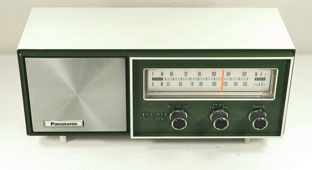 Panasonic Table Radio - Solid State