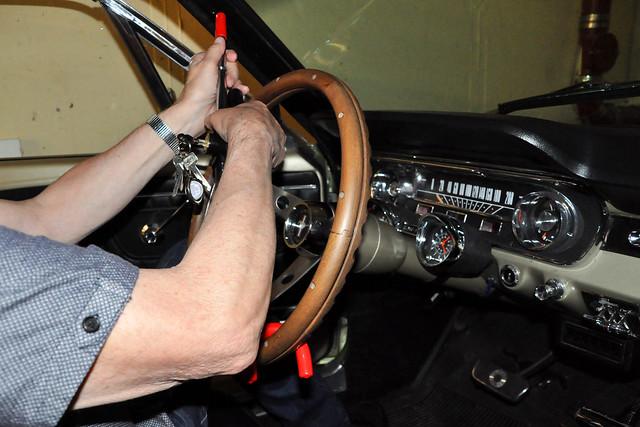 2020 ... Lenkrad-Sperre, Lenkrad-Kralle für den Oldtimer Ford Mustang 1965 ... Brigitte Stolle