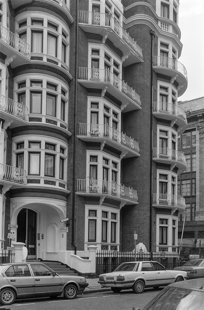 Hans Crescent, Knightsbridge, Kensington & Chelsea, 1988 88-3e-36-positive_2400