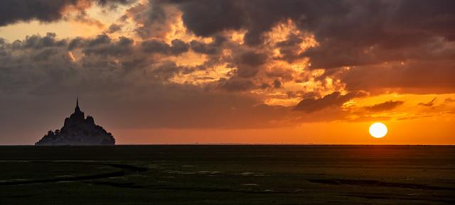 Le Mont Saint Michel im Sonnenuntergang