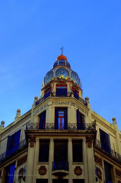 Av, Rivadavia y Ayacucho.