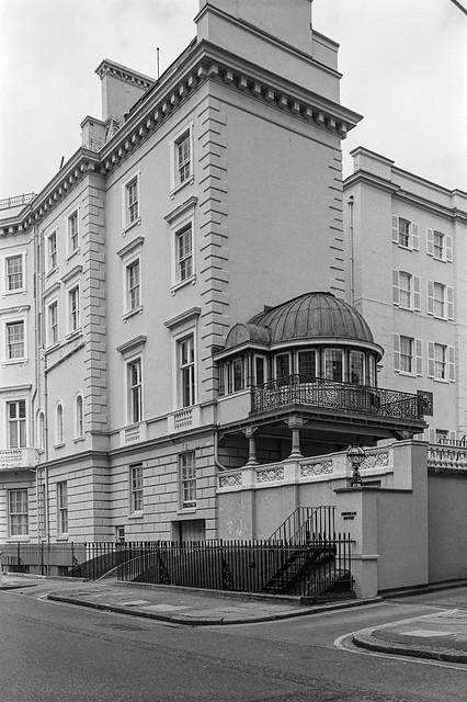 Chesham House, Lyall St, Chesham Place, Belgravia, Westminster, London, 1988 88-3f-34-positive_2400