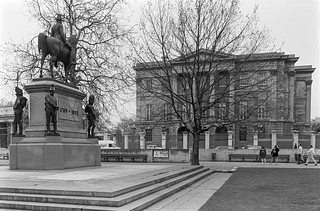 Wellington statue, Memorial, Apsley House, Hyde Park Corner, Westminster, 1988 88-3d-46-positive_2400