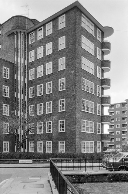 Flats, Cundy St, Belgravia, Westminster, 1988  88-3g-55-positive_2400