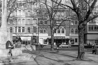 Royal Court Theatre, Sloane Square, Kensington & Chelsea, 1988 88-3g-21-positive_2400