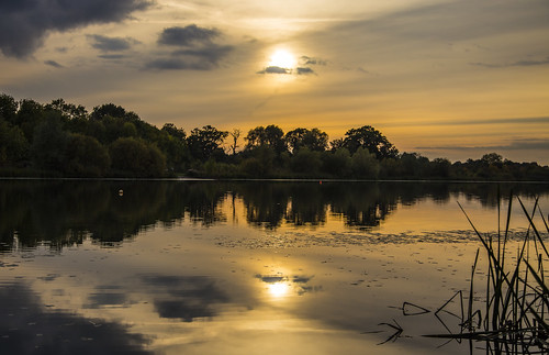 canon6d landscape nature outdoors outside uk cambridgeshire lake water sun sunset reflections golden