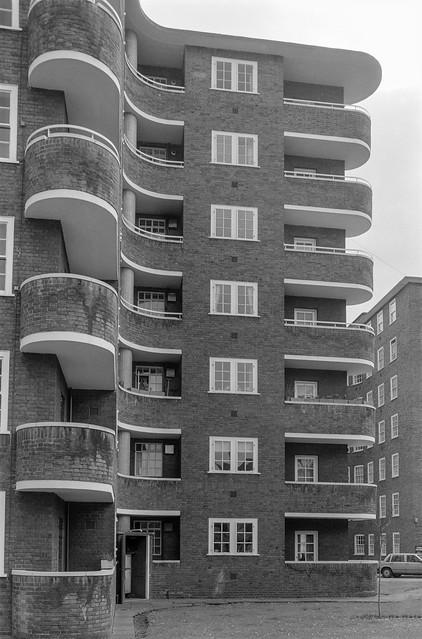 Flats, Ebury St, Belgravia, Westminster, 1988 88-3g-43-positive_2400