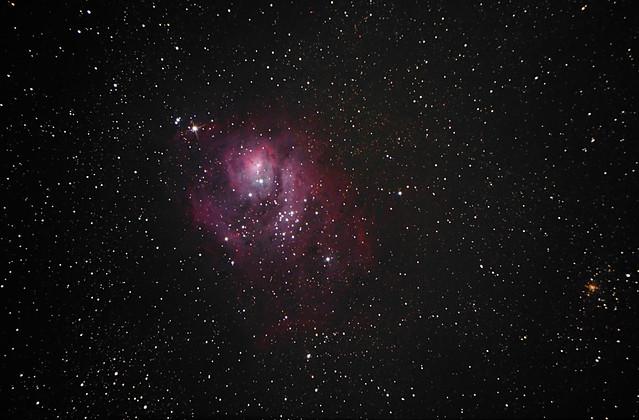 VCSE - AZ M8, azaz a Lagúna-köd Román Dávid fotóján