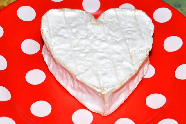 August 2020 ... Herzförmiger Neufchâtel AOP aus lait cru (roher Milch) ... Brigitte Stolle