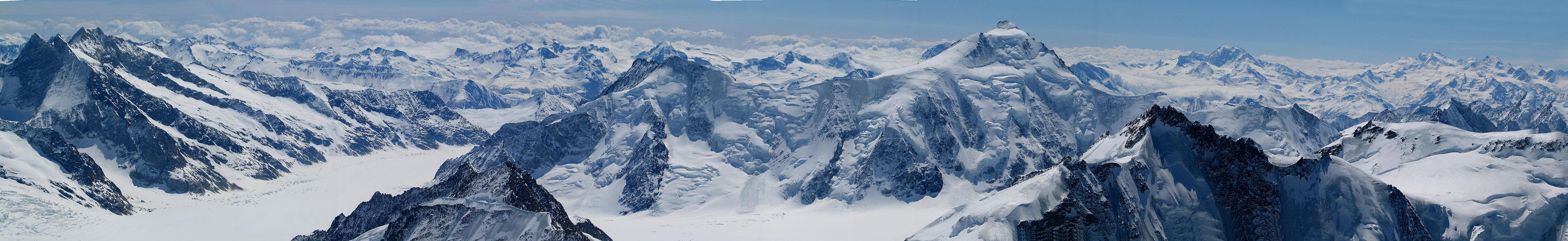 Jungfrau Berner Alpen / Alpes bernoises Schweiz panorama 07