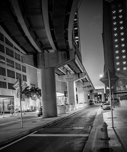 Miami mood - sous le métro