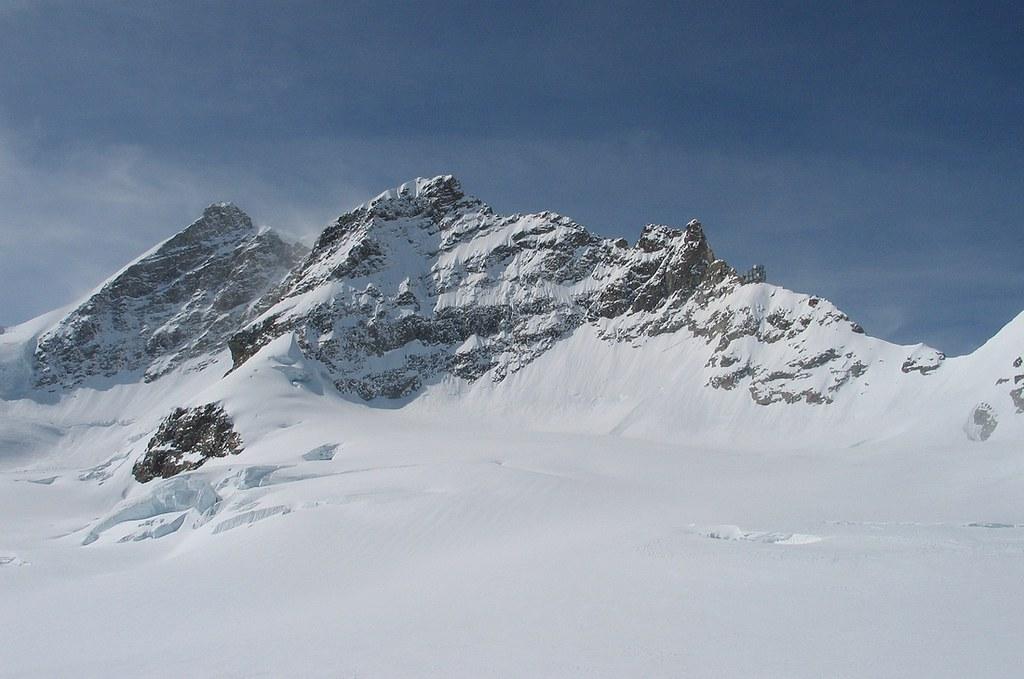 Jungfrau Berner Alpen / Alpes bernoises Schweiz foto 08