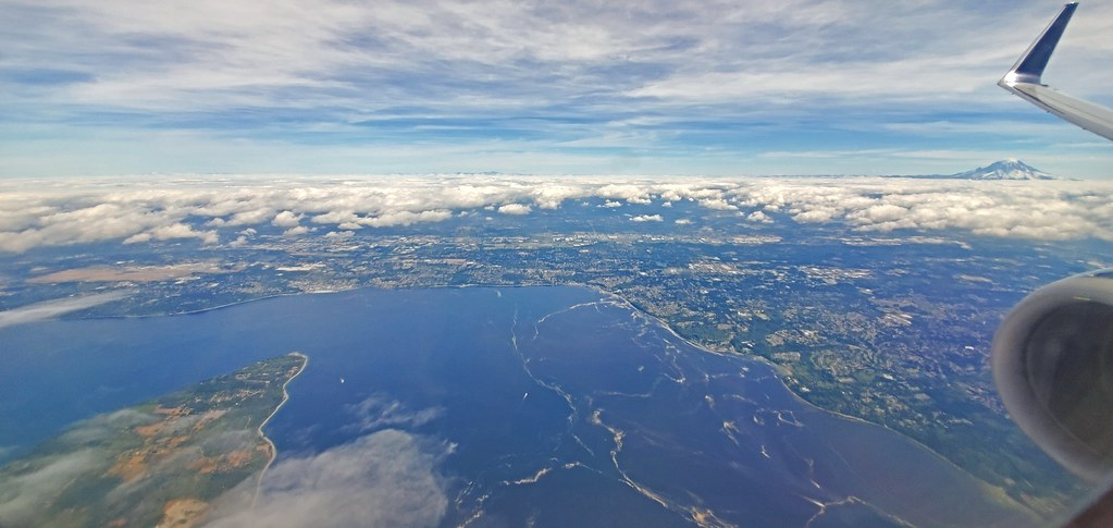 Flying into Seattle–Tacoma