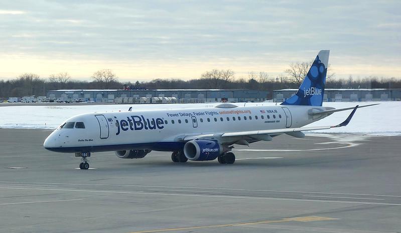 ROC Greater Rochester International Airport JetBlue EMB-190 N184JB 2018 March 5