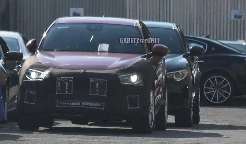 maserati-small-suv-first-spy-photo (1)