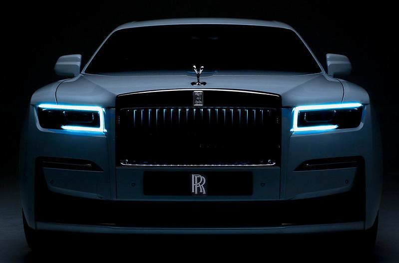 2021-Rolls-ROyce-Ghost-2