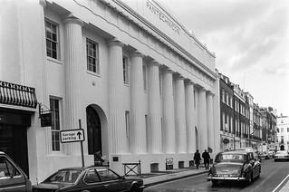 Pantechnicon, Motcomb St, Belgravia, Westminster, 1988 88-3m-14-positive_2400