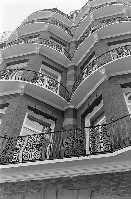 Cadogan Square, Knightsbridge, Kensington & Chelsea, 1988 88-3h-23-positive_2400