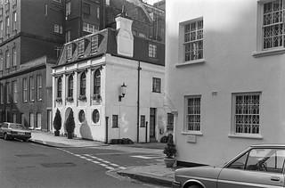Cadogan Gate, Knightsbridge, Kensington & Chelsea, 1988 88-3h-22-positive_2400