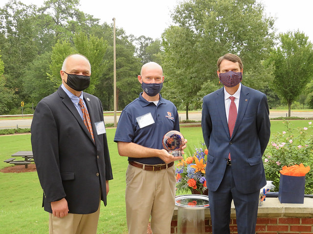 Pictured, from left, are William Dozier, department head and professor, Poultry Science; Leonard Bell, retired professor and Food Science Program coordinator; and Provost Bill Hardgrave.