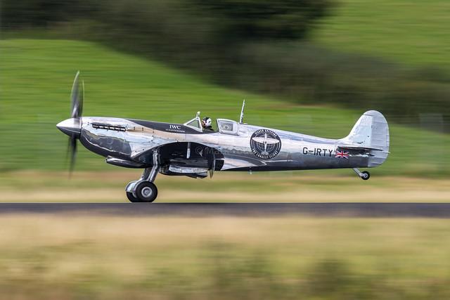 Silver Spitfire Mk.1X I MJ271 (G-IRTY) I Boultbee Flight Academy, Exeter