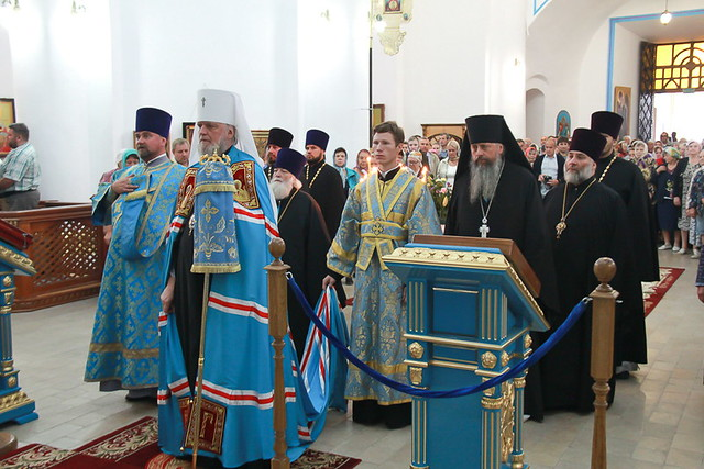 Митрополит Герман освятил престолы восстановленного Успенского собора города Рыльска 28.08.2020