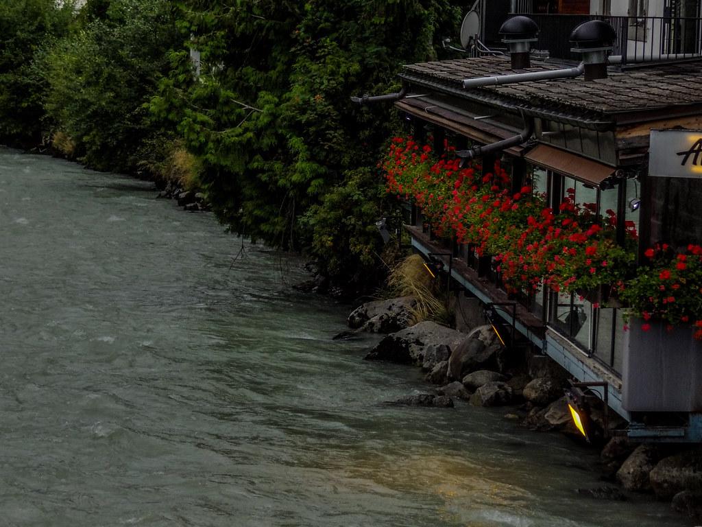 A restaurant along the creek.