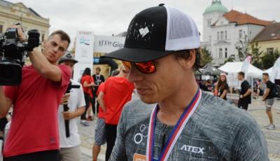 Všem obhajobám na světovém Gigathlonu v Česku aplaudoval Mělník. Nejlepší byl biker Vlášek