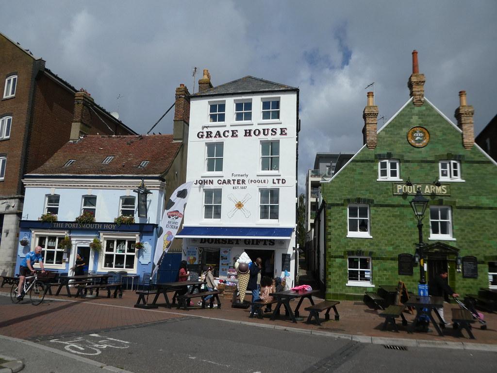 Quaint pubs along Poole Quay