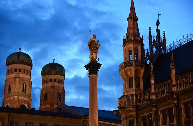 Munich - Marienplatz Icons