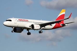 IBERIA / Airbus   A 320 NEO   F-WWIP   msn 10135 / LFBO - TLS / août 2020