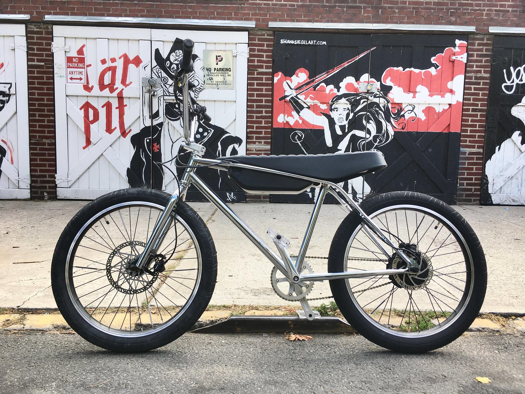 Zooz Bikes Ultralight at Tar Pit