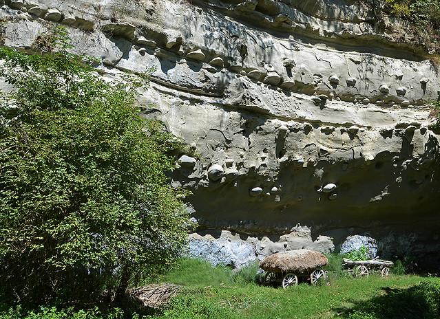 Anfiteatro della Rocca Cruera, meravigliose stratificazioni variegate