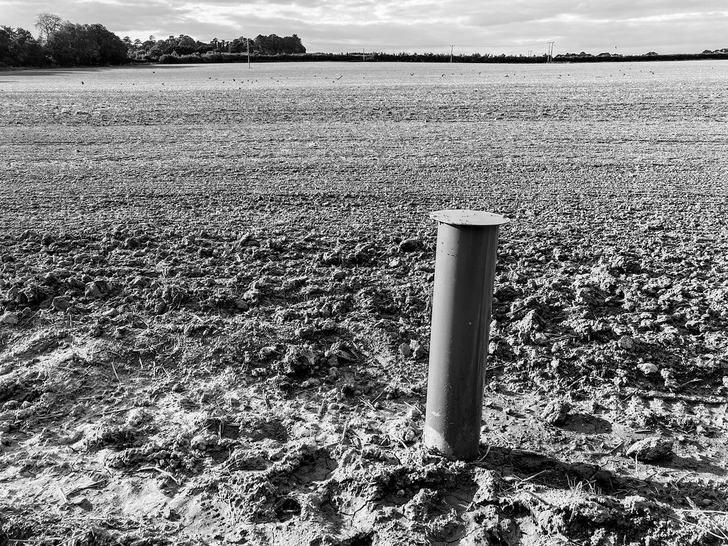 A post appeared next to the footpath