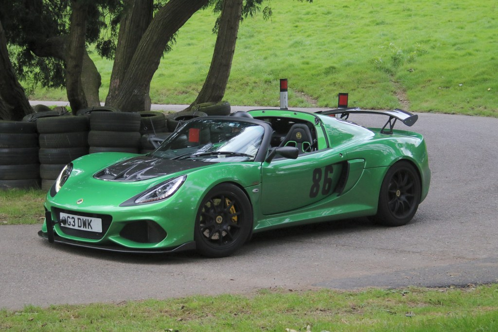 The Lotus Exige of Gary Dawkins at Wiscombe (N Cole)