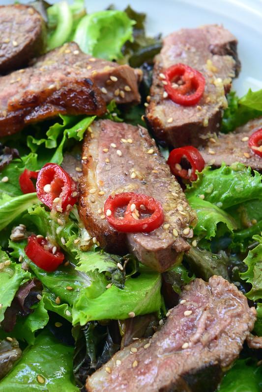 Salade chaude de magret de canard au gingembre