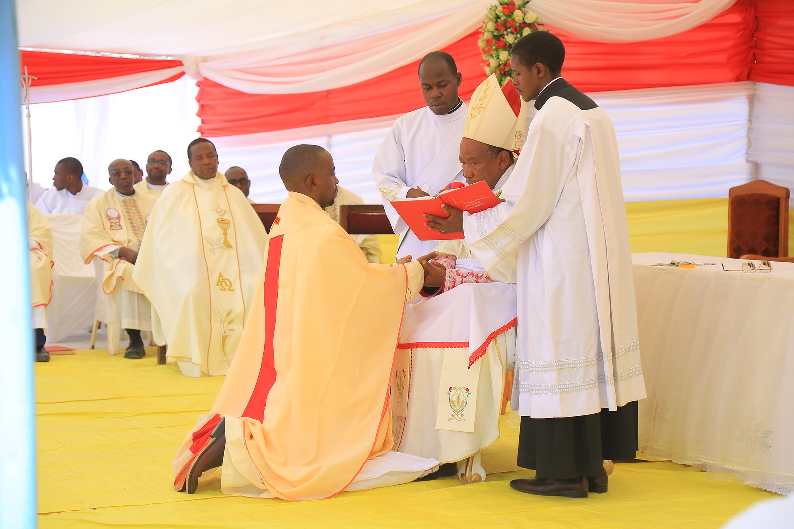 Ordenação Sacerdotal de Padre Patrick Simon Shija