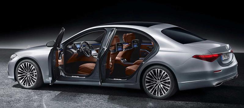 2021-mercedes-benz-s-class-rear (2)