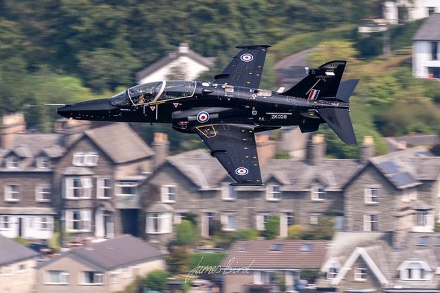 RAF Hawk T2 ZK026 of XXV Squadron low level in the English Lake District