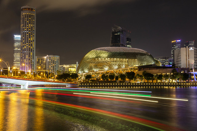 Esplanade – Theatres on the Bay Light Trails