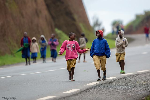 Children back from school in Rwanda
