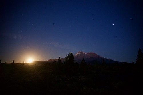 Mt Shasta Moonrise