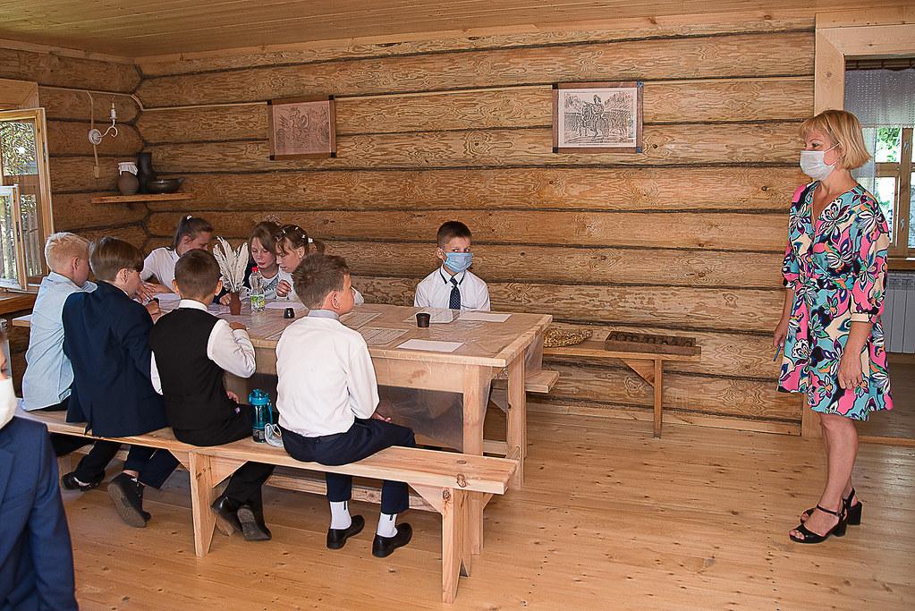 На интерактивном занятии «Как учились в старину». Фотограф Александр Семенов