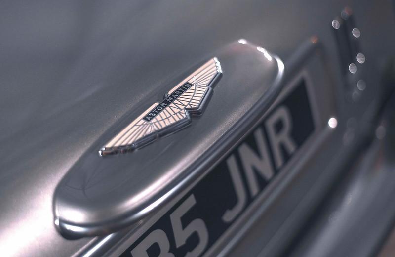 Aston-Martin-DB5-Junior-6