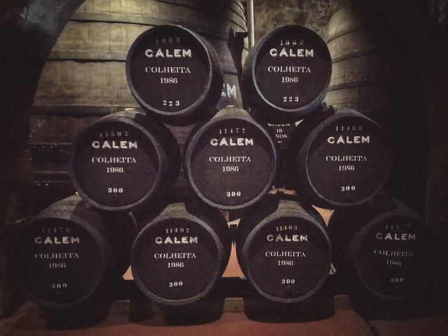 """1986...un gran año"" #vino #wine #vinodeoporto #bodega #calem #oporto #portugal #gaia #vilanovadegaia #douro #summer2020 #ilovewine #megustaelvino #iphonelens #iphone7plus #picoftheday"