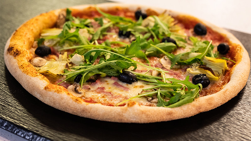 A takeaway pizza.