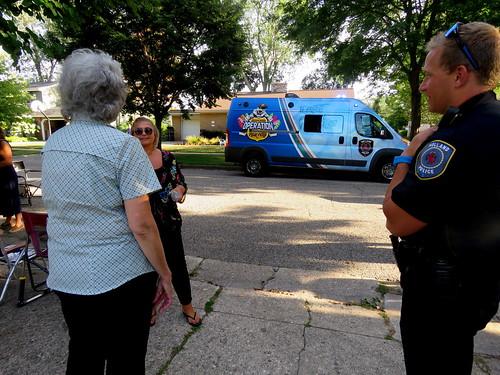 neighborhood ice cream social with the Holland Police