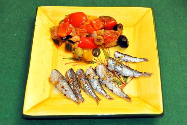 August 2020 ... gegrillte Knoblauch-Sardinen mit mediterranem Gemüse ... Brigitte Stolle