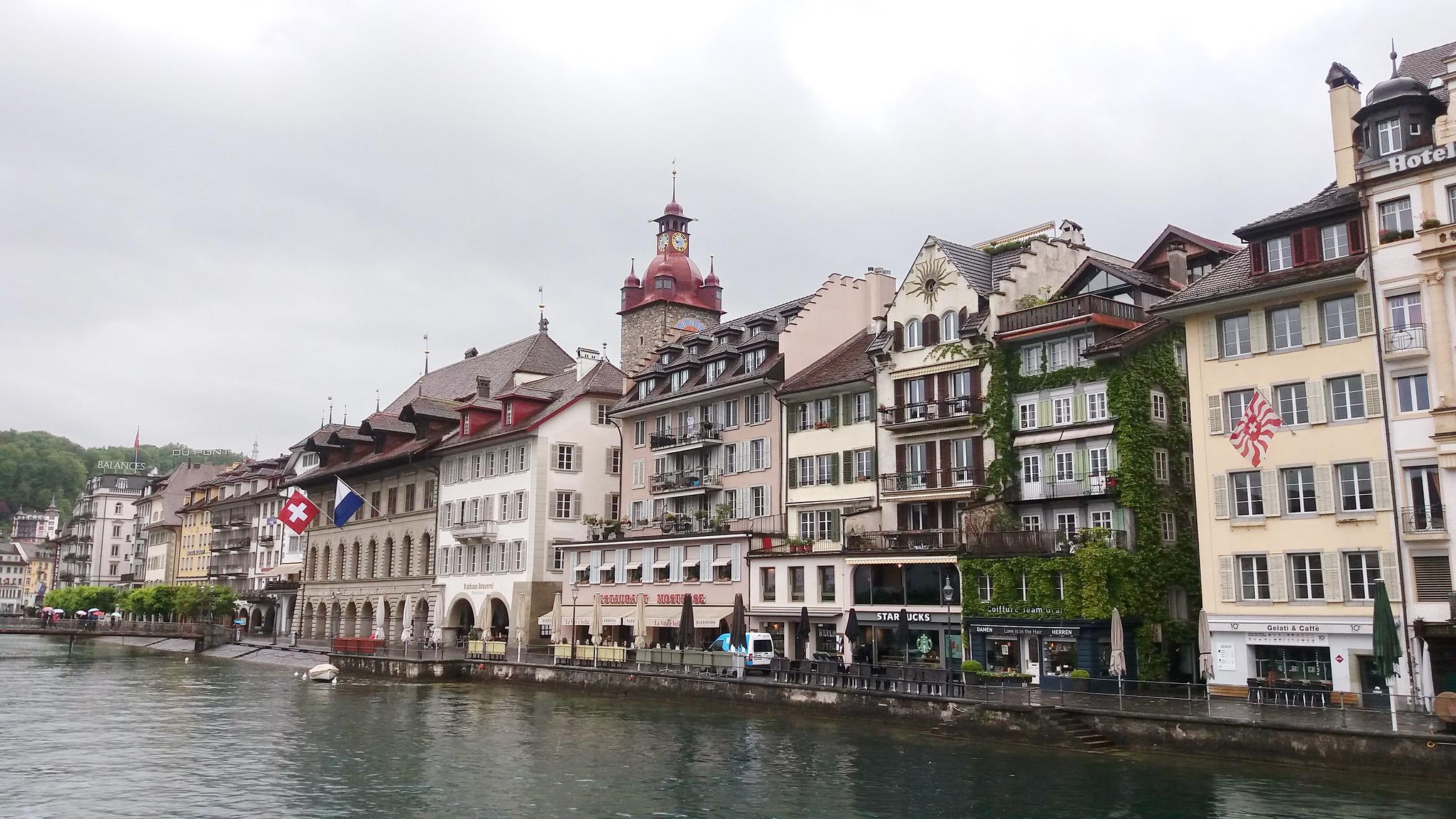Ayuntamiento Rathaus torre Lucerna Suiza